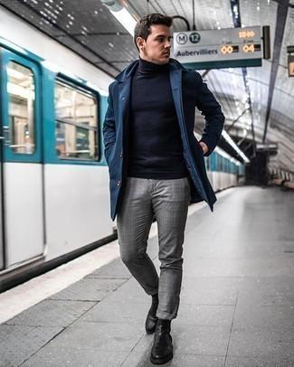 Graue Socken kombinieren – 500+ Herren Outfits: Eine dunkelblaue Regenjacke und graue Socken sind das Outfit Ihrer Wahl für faule Tage. Fühlen Sie sich mutig? Ergänzen Sie Ihr Outfit mit schwarzen Chelsea Boots aus Leder.