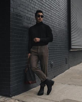 Schwarzen Rollkragenpullover kombinieren – 1045+ Herren Outfits: Entscheiden Sie sich für einen schwarzen Rollkragenpullover und eine braune Wollchinohose für einen bequemen Alltags-Look. Fühlen Sie sich mutig? Komplettieren Sie Ihr Outfit mit schwarzen Chelsea Boots aus Leder.