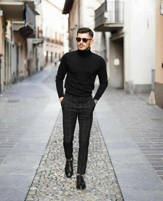 Schwarzen Rollkragenpullover kombinieren – 1045+ Herren Outfits: Entscheiden Sie sich für einen schwarzen Rollkragenpullover und eine schwarze Chinohose mit Karomuster für ein großartiges Wochenend-Outfit. Komplettieren Sie Ihr Outfit mit schwarzen Leder Oxford Schuhen, um Ihr Modebewusstsein zu zeigen.