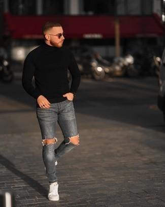 Schwarzen Rollkragenpullover kombinieren – 1045+ Herren Outfits: Ein schwarzer Rollkragenpullover und graue enge Jeans mit Destroyed-Effekten sind eine großartige Outfit-Formel für Ihre Sammlung. Fühlen Sie sich mutig? Komplettieren Sie Ihr Outfit mit weißen Segeltuch niedrigen Sneakers.