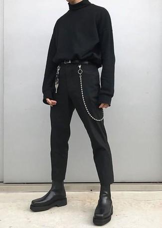 Wie kombinieren: schwarzer Rollkragenpullover, schwarze Chinohose, schwarze Chelsea-Stiefel aus Leder, schwarzer Ledergürtel