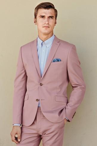 Wie kombinieren: rosa Anzug, hellblaues Businesshemd, blaues Einstecktuch