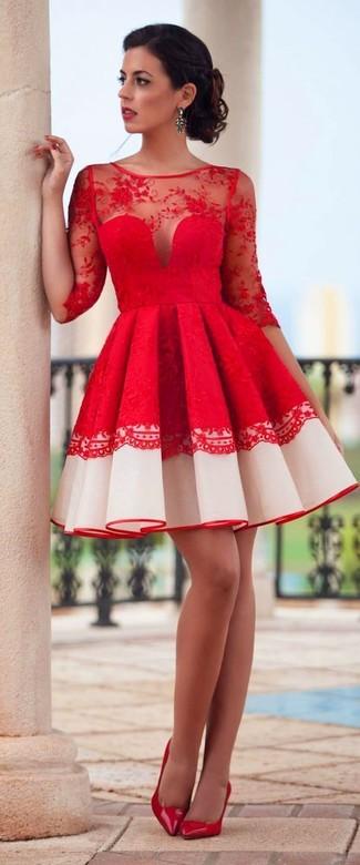 Rotes Ausgestelltes Kleid aus Spitze, Rote Leder Pumps für Damen ...