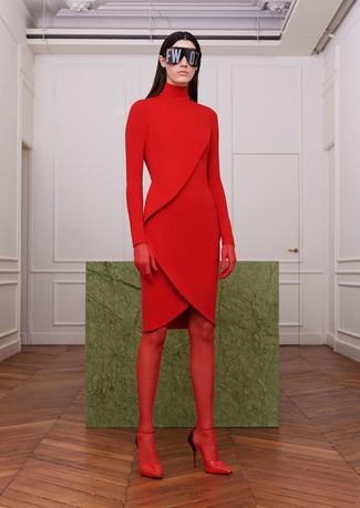 rotes Sweatkleid, rote Leder Pumps, rote Strumpfhose für Damen