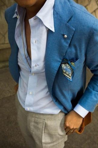 blaues Leinen Sakko, hellblaues Businesshemd, graue Anzughose, blaues bedrucktes Einstecktuch für Herren