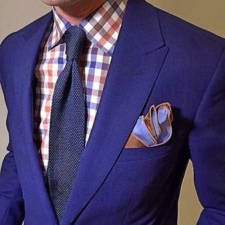 Wie kombinieren: blaues Sakko, weißes und rotes und dunkelblaues Businesshemd mit Vichy-Muster, dunkelblaue Strick Krawatte, blaues Einstecktuch