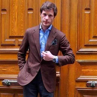 Wie kombinieren: braunes Wollsakko, blaues Businesshemd, dunkelgraue Wollanzughose, dunkeltürkises Einstecktuch mit Paisley-Muster