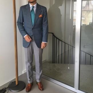 Orange bedrucktes Einstecktuch kombinieren – 167 Herren Outfits: Kombinieren Sie ein dunkelblaues Sakko mit Schottenmuster mit einem orange bedruckten Einstecktuch für einen entspannten Wochenend-Look. Schalten Sie Ihren Kleidungsbestienmodus an und machen braunen Leder Slipper mit Quasten zu Ihrer Schuhwerkwahl.