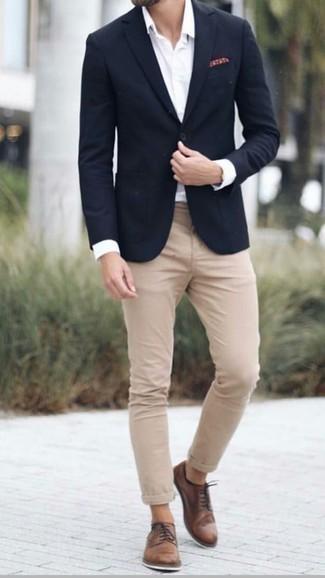 Wie braune Leder Derby Schuhe mit weißen und schwarzen