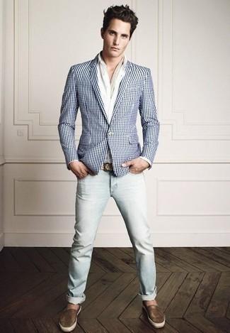 Weißes Sakko mit Vichy-Muster kombinieren: trends 2020: Vereinigen Sie ein weißes Sakko mit Vichy-Muster mit hellblauen Jeans für ein großartiges Wochenend-Outfit. Braune Leder Espadrilles sind eine großartige Wahl, um dieses Outfit zu vervollständigen.
