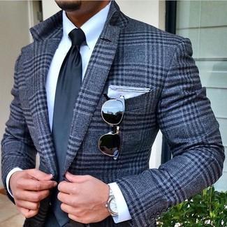 Wie kombinieren: graues Wollsakko mit Schottenmuster, weißes Businesshemd, dunkelgraue Krawatte, weißes Einstecktuch