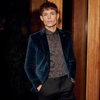 Herren Outfits & Modetrends: Paaren Sie ein dunkeltürkises Samtsakko mit einer schwarzen Anzughose für einen stilvollen, eleganten Look.