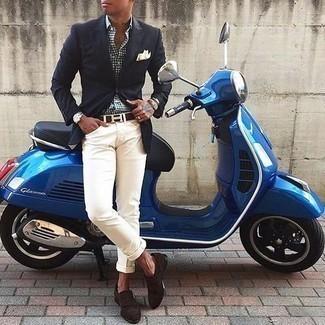 Silberne Uhr kombinieren – 500+ Herren Outfits: Ein dunkelblaues Sakko und eine silberne Uhr sind eine kluge Outfit-Formel für Ihre Sammlung. Machen Sie Ihr Outfit mit dunkelbraunen Monks aus Wildleder eleganter.