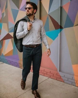Braune Doppelmonks aus Leder kombinieren – 429 Herren Outfits: Entscheiden Sie sich für ein dunkelgraues Sakko mit Schottenmuster und dunkelblauen Jeans für ein großartiges Wochenend-Outfit. Fühlen Sie sich mutig? Vervollständigen Sie Ihr Outfit mit braunen Doppelmonks aus Leder.