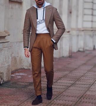 Dunkelblaue Socken kombinieren – 1154+ Herren Outfits: Ein braunes Sakko mit Hahnentritt-Muster und dunkelblaue Socken sind das Outfit Ihrer Wahl für faule Tage. Fügen Sie dunkelbraunen Wildleder Slipper mit Quasten für ein unmittelbares Style-Upgrade zu Ihrem Look hinzu.