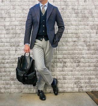Beige Krawatte mit Schottenmuster kombinieren – 23 Herren Outfits: Erwägen Sie das Tragen von einem dunkelblauen Wollsakko mit Fischgrätenmuster und einer beige Krawatte mit Schottenmuster für eine klassischen und verfeinerte Silhouette. Vervollständigen Sie Ihr Look mit schwarzen Monks aus Leder.