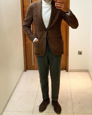Weißen Rollkragenpullover kombinieren: Erwägen Sie das Tragen von einem weißen Rollkragenpullover und einer dunkelgrünen Anzughose für einen stilvollen, eleganten Look. Dunkelbraune Wildleder Derby Schuhe sind eine perfekte Wahl, um dieses Outfit zu vervollständigen.