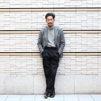Schwarze Socken kombinieren – 500+ Herren Outfits: Kombinieren Sie ein graues Wollsakko mit schwarzen Socken für einen entspannten Wochenend-Look. Schwarze Leder Derby Schuhe bringen Eleganz zu einem ansonsten schlichten Look.
