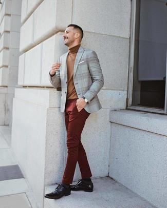 Braune Leder Derby Schuhe kombinieren: trends 2020: Tragen Sie ein graues Sakko mit Schottenmuster und eine dunkelrote Chinohose für Ihren Bürojob. Fühlen Sie sich mutig? Entscheiden Sie sich für braunen Leder Derby Schuhe.