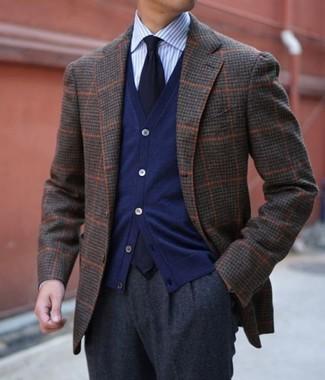 dunkelblauer Pullover von HÄRVIST