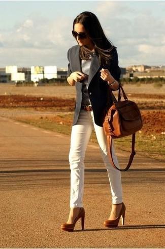 Wie braunen Gürtel mit weißer enger Jeans zu kombinieren (11