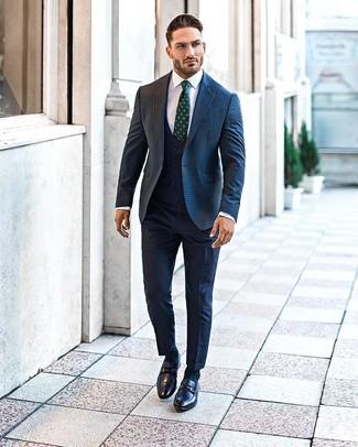 Wie kombinieren: dunkelblaues Wollsakko mit Vichy-Muster, dunkelblaue Weste, weißes Businesshemd, dunkelblaue Anzughose