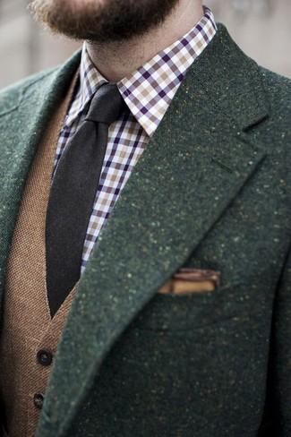 Wie kombinieren: dunkelgrünes Wollsakko, braune Wollweste, violettes Langarmhemd mit Vichy-Muster, dunkelbraune Wollkrawatte