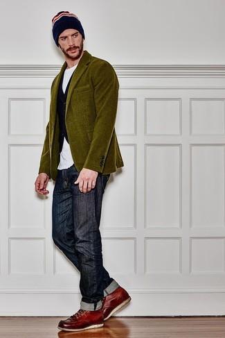 Dunkelblaue Weste kombinieren: Machen Sie sich mit einer dunkelblauen Weste und dunkelblauen Jeans einen verfeinerten, eleganten Stil zu Nutze. Fühlen Sie sich ideenreich? Vervollständigen Sie Ihr Outfit mit dunkelroten Lederarbeitsstiefeln.