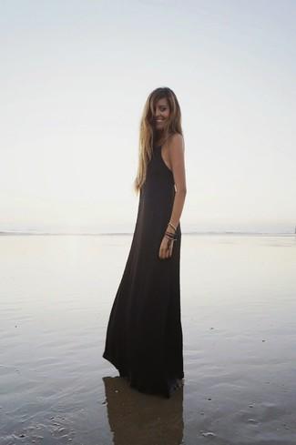 Schwarzes Kleid für Damen kombinieren: Modetrends und Outfits für ...