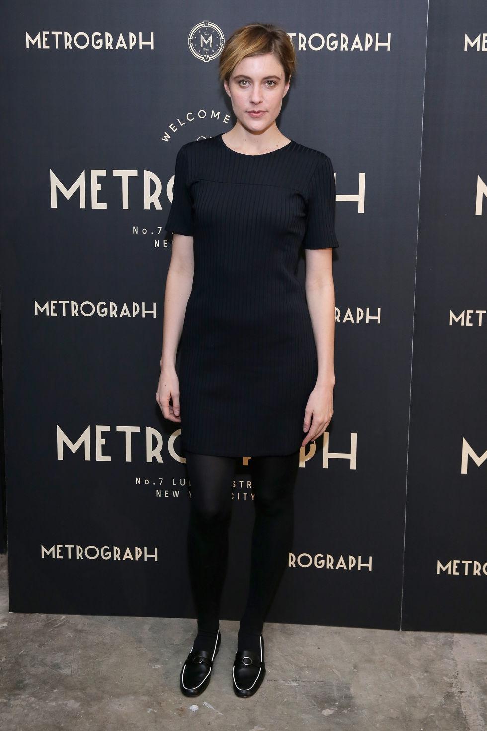 Schwarzes und weißes figurbetontes Kleid für Damen kombinieren ...