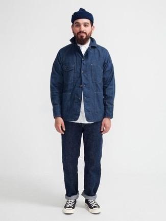 Dunkelblaue Mütze kombinieren – 500+ Herren Outfits: Eine dunkelblaue Shirtjacke aus Jeans und eine dunkelblaue Mütze sind eine perfekte Outfit-Formel für Ihre Sammlung. Entscheiden Sie sich für schwarzen und weißen Segeltuch niedrige Sneakers, um Ihr Modebewusstsein zu zeigen.