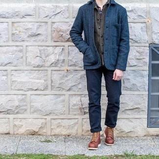 Dunkelblaues und grünes Langarmhemd mit Schottenmuster kombinieren – 246 Herren Outfits: Vereinigen Sie ein dunkelblaues und grünes Langarmhemd mit Schottenmuster mit einem dunkelgrauen Wolllangarmhemd für ein Alltagsoutfit, das Charakter und Persönlichkeit ausstrahlt. Fühlen Sie sich mutig? Komplettieren Sie Ihr Outfit mit einer braunen Lederfreizeitstiefeln.