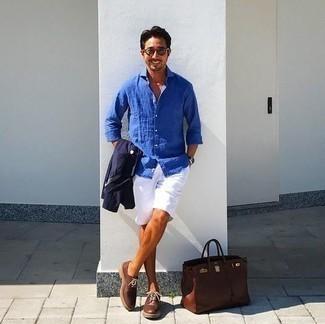 Dunkelbraune Shopper Tasche aus Leder kombinieren – 249 Herren Outfits: Eine dunkelblaue Shirtjacke und eine dunkelbraune Shopper Tasche aus Leder sind eine großartige Outfit-Formel für Ihre Sammlung. Dunkelbraune Leder Derby Schuhe bringen Eleganz zu einem ansonsten schlichten Look.