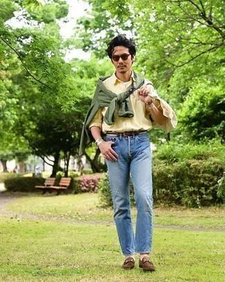 Olivgrüne Shirtjacke kombinieren – 346 Herren Outfits: Kombinieren Sie eine olivgrüne Shirtjacke mit blauen Jeans, um mühelos alles zu meistern, was auch immer der Tag bringen mag. Heben Sie dieses Ensemble mit braunen Wildleder Slippern hervor.