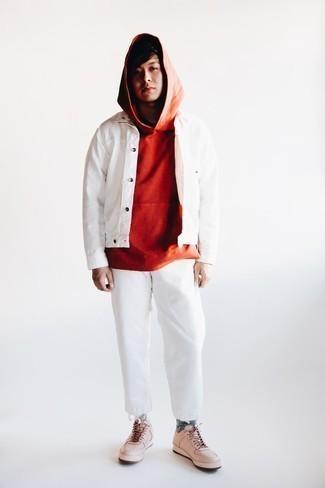 Weiße Jeans kombinieren – 1176+ Herren Outfits: Vereinigen Sie eine weiße Shirtjacke mit weißen Jeans für ein Alltagsoutfit, das Charakter und Persönlichkeit ausstrahlt. Fühlen Sie sich ideenreich? Ergänzen Sie Ihr Outfit mit hellbeige Leder niedrigen Sneakers.