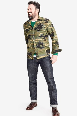 grüner Pullover mit einem Rundhalsausschnitt von Anvil