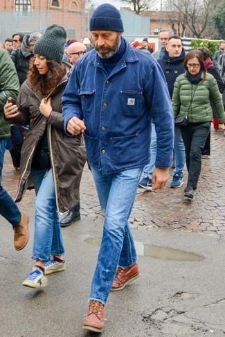 Dunkelblaue Mütze kombinieren: trends 2020: Für ein bequemes Couch-Outfit, kombinieren Sie eine blaue Shirtjacke aus Jeans mit einer dunkelblauen Mütze. Rotbraune Lederarbeitsstiefel sind eine perfekte Wahl, um dieses Outfit zu vervollständigen.
