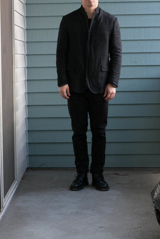 Schwarze Shirtjacke kombinieren – 119 Herren Outfits: Kombinieren Sie eine schwarze Shirtjacke mit einer schwarzen Chinohose für einen für die Arbeit geeigneten Look. Dieses Outfit passt hervorragend zusammen mit einer schwarzen Lederfreizeitstiefeln.