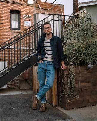 Braune Lederfreizeitstiefel kombinieren – 500+ Herren Outfits: Paaren Sie eine dunkelblaue Shirtjacke mit blauen Jeans für ein großartiges Wochenend-Outfit. Eine braune Lederfreizeitstiefel sind eine kluge Wahl, um dieses Outfit zu vervollständigen.
