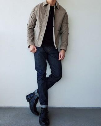 Graue Shirtjacke kombinieren – 243 Herren Outfits: Vereinigen Sie eine graue Shirtjacke mit dunkelblauen Jeans für ein Alltagsoutfit, das Charakter und Persönlichkeit ausstrahlt. Eine schwarze Lederfreizeitstiefel fügen sich nahtlos in einer Vielzahl von Outfits ein.