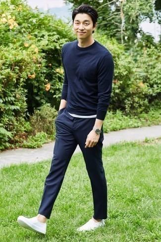 dunkelblauer Pullover von OZONEE