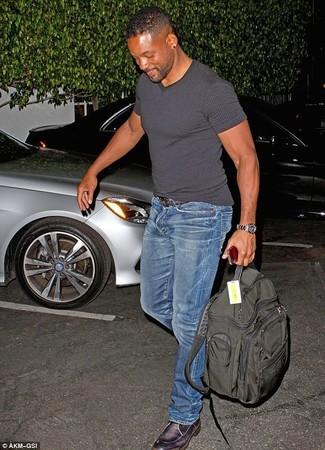 T shirt mit einem v ausschnitt enge jeans derby schuhe large 1885