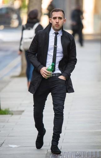 Schwarze Krawatte kombinieren: Paaren Sie einen schwarzen Trenchcoat mit einer schwarzen Krawatte, um vor Klasse und Perfektion zu strotzen. Schwarze Wildlederformelle stiefel fügen sich nahtlos in einer Vielzahl von Outfits ein.