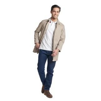Hellbeige Trenchcoat kombinieren: trends 2020: Erwägen Sie das Tragen von einem hellbeige Trenchcoat und dunkelblauen Jeans für einen für die Arbeit geeigneten Look. Wenn Sie nicht durch und durch formal auftreten möchten, entscheiden Sie sich für dunkelbraunen Chukka-Stiefel aus Leder.