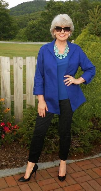 Schwarze hose hellblaue bluse