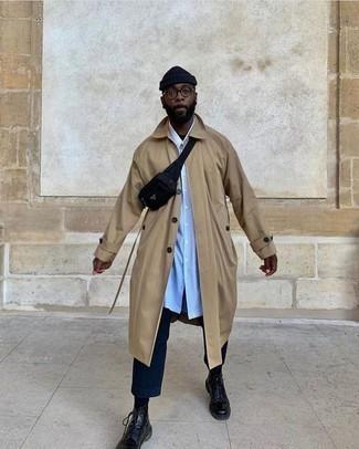 Hellblaues vertikal gestreiftes Langarmhemd kombinieren – 172 Herren Outfits: Entscheiden Sie sich für ein hellblaues vertikal gestreiftes Langarmhemd und eine dunkelblaue Chinohose, um mühelos alles zu meistern, was auch immer der Tag bringen mag. Schalten Sie Ihren Kleidungsbestienmodus an und machen eine schwarze Lederfreizeitstiefel zu Ihrer Schuhwerkwahl.