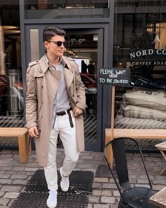 Weiße und rote Leder niedrige Sneakers kombinieren – 500+ Frühling Herren Outfits: Tragen Sie einen beige Trenchcoat und eine weiße Chinohose für Ihren Bürojob. Fühlen Sie sich ideenreich? Komplettieren Sie Ihr Outfit mit weißen und roten Leder niedrigen Sneakers. Das Outfit ist ja mega und passt toll zu der Übergangszeit.