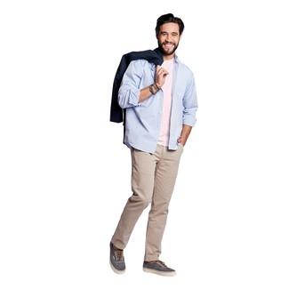 Dunkelblauen Trenchcoat kombinieren: trends 2020: Tragen Sie einen dunkelblauen Trenchcoat und eine hellbeige Chinohose, um einen eleganten, aber nicht zu festlichen Look zu kreieren. Wenn Sie nicht durch und durch formal auftreten möchten, vervollständigen Sie Ihr Outfit mit dunkelgrauen Segeltuch niedrigen Sneakers.