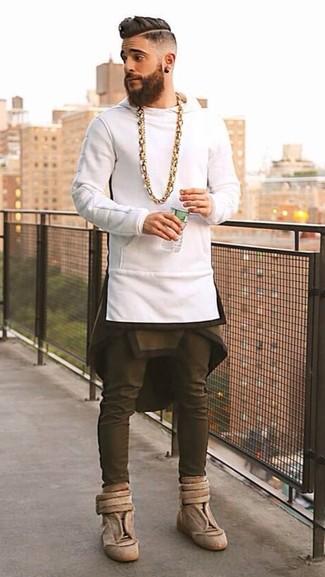 weißer Pullover mit einem Kapuze von Fruit of the Loom