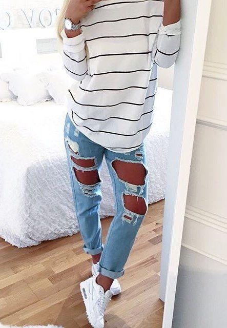 €184 Beige Wollhut kaufen · Wie kombinieren  weißer und schwarzer  horizontal gestreifter Oversize Pullover, hellblaue Boyfriend Jeans mit  Destroyed 361e20b668